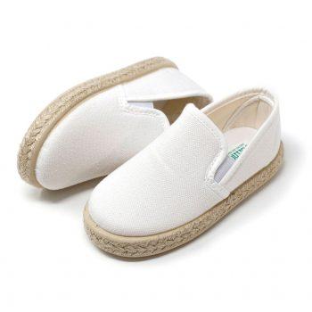 Alpargata cangrejo de lona blanca con elásticos 'slip on' en los laterales, para niño