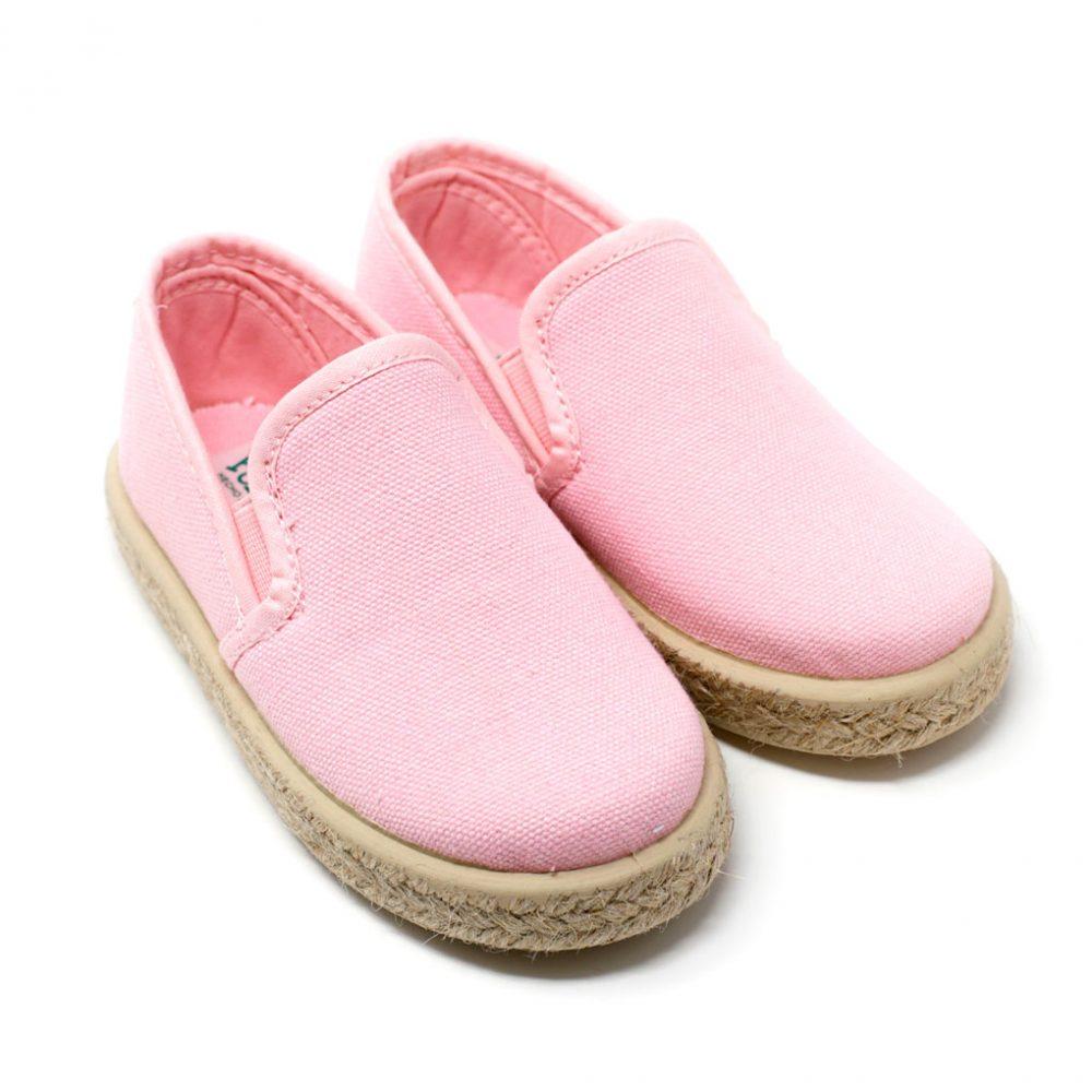 Alpargata de lona rosa con elásticos 'slip on' en los laterales, para niño
