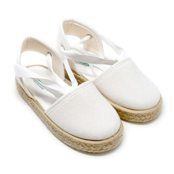 Alpargata valenciana blanca de yute con cinta lazada al tobillo, para niña