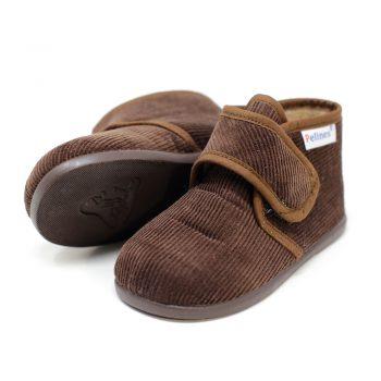 Bota de pana marrón de andar por casa con velcro. Niño y niña