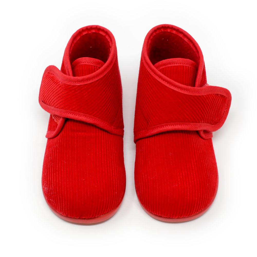 Bota de pana roja de andar por casa con velcro. Niño y niña